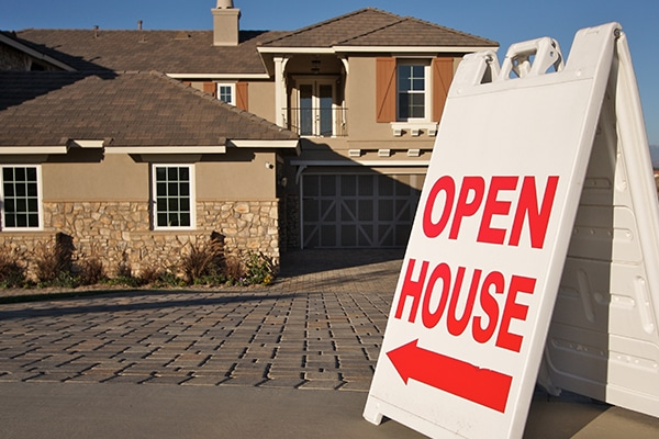 How to Stay Safe When Your Home is On the Market